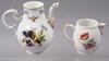 Kaffekanna samt grÄddkanna, porslin, meissenliknande märke resp berlin. 1800-tal.
