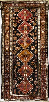 MATTA, Shirvan. Ca 295 x 138 cm.
