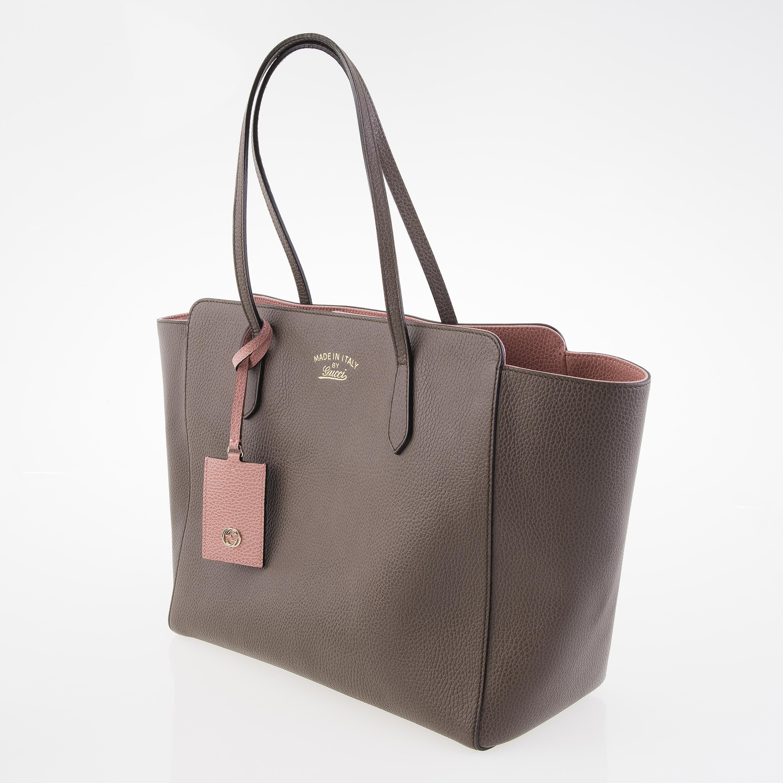 949cf7529e2 GUCCI Swing Medium Leather Tote Bag. - Bukowskis