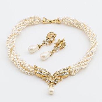 OSCAR DE LA RENTA, halsband och örhängen.