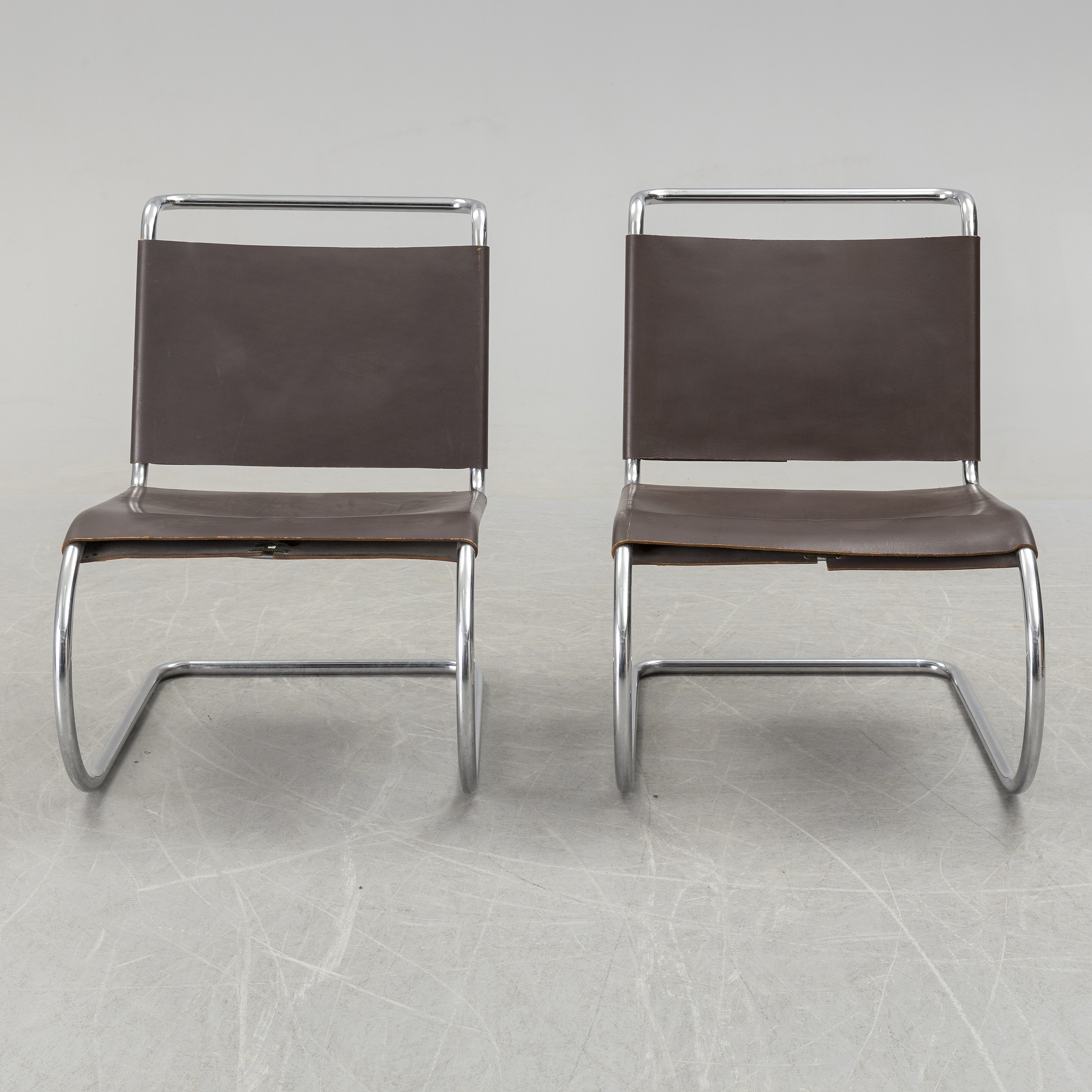 Miraculous A Pair Of Mr Lounge Chairs By Ludwig Mies Van Der Rohe Squirreltailoven Fun Painted Chair Ideas Images Squirreltailovenorg