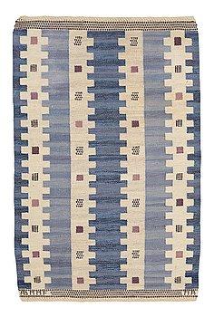 "218. Marianne Richter, A CARPET, ""Blåtaggen"", flat weave, ca 159,5 x 99-103,5 cm, signed AB MMF MR."
