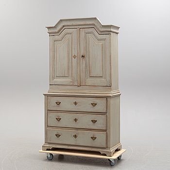 An 18th/19th century painted cabinet.