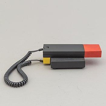 "ETTORE SOTTSASS, ""Enorme"", telefon, Enorme, Italien, 1986."