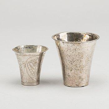 BÄGARE, 2 st, silver, bland annat Magnus Myrman (1706-1730) Norrköping.
