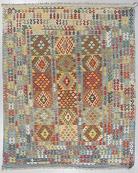MATTA, kelim, 294 x 240 cm.