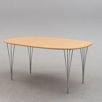 """BRUNO MATHSSON OCH PIET HEIN, bord, """"Superellips"""", licenstillverkat av Fritz Hansen, 1979."""