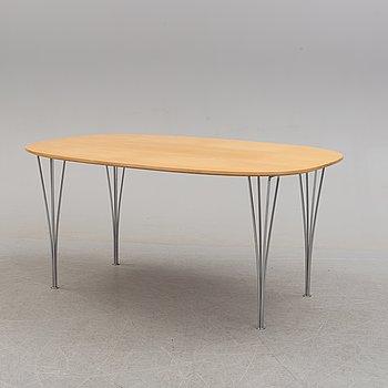 """BRUNO MATHSSON OCH PIET HEIN, bord, """"Superellips"""", licenstillverkat av Fritz Hansen, 1981."""