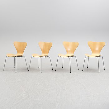 "ARNE JACOBSEN, stolar, 4 st, ""Sjuan"", Fritz Hansen, Danmark, 1980-tal."