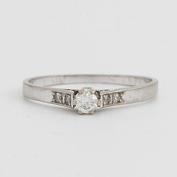 RING, med briljantslipad diamant, 0,15ct enligt gravyr.