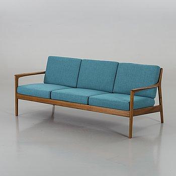 """FOLKE OHLSSON, soffa, """"USA 75"""" för  Dux."""
