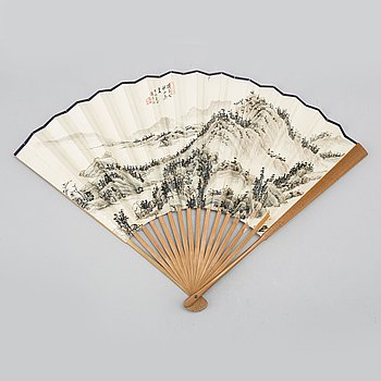 SOLFJÄDER, tusch och färg på papper. Kina, 1900-talets andra hälft.