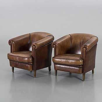 A PAIR OF ARMCHAIRS, 1900/2000.