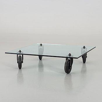 "GAE AULENTI, soffbord, ""Tavolo con ruote"", Schopenhauer Gruppo Fontana Arte, Italien 1900-talets andra hälft."