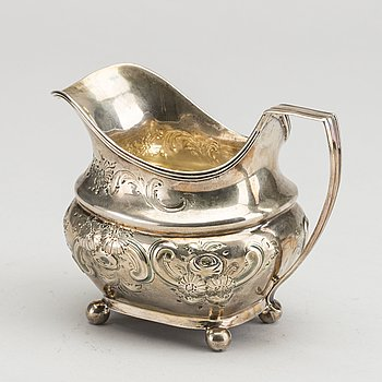 A London silver Milk Pitcher, 1810. Ca 140 g.