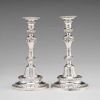 198. A pair of 18th century silver candlesticks, mark of Pehr Zethelius, Stockholm 1780.