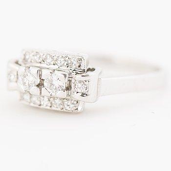 RING, briljant- och åttkantslipade diamanter, 18K vitguld. Sverige 1963.