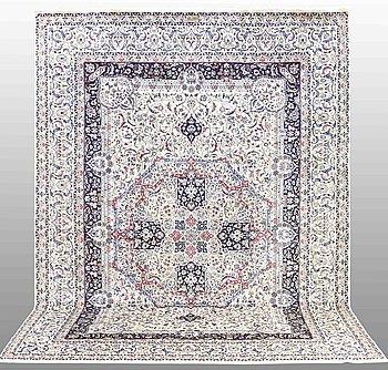 MATTA, Nain, part silk , s.k 6LAA, signerad Habibian, ca 360 x 260 cm.