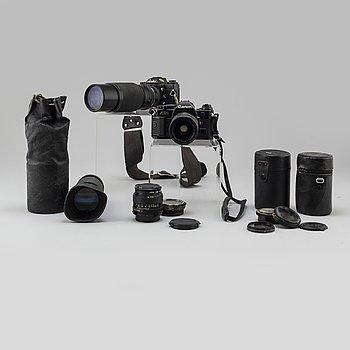 Canon AE-1 med 35-70mm zoom och fast 50 mm. Minolta XD7 med Komuranon 80-210 mm zoom, Minolta fast 200 mm samt Tokina zo.