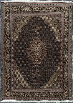 MATTA, orientalisk. Ca 204x150 cm.
