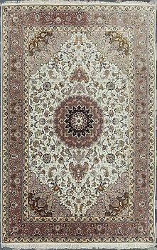 MATTA, orientalisk. Ca 310x200 cm.