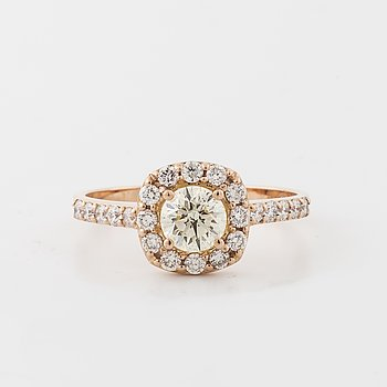 RING, med briljantslipade diamanter totalt ca 0.50 + 0.24ct.