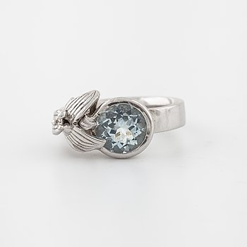 A faceted aquamarine ring by Svante Schmidt, Göteborg, 2010.