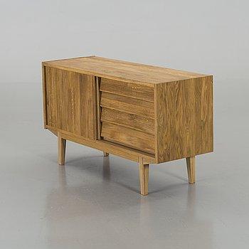 "SIDEBOARD, ek, ""Rekord"" design Nils Troedsson, Troeds, 2000-tal."