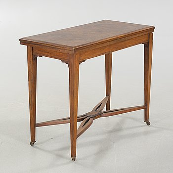 A gambling table, 19th century.