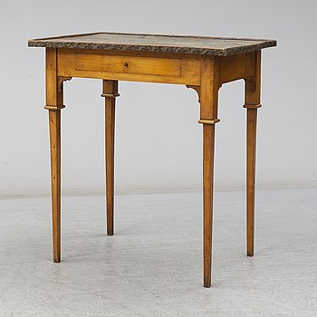 A Swedish late gustavian table. First half of the 19th century.