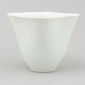 FRIEDL HOLZER-KJELLBERG, a rice grain porcelain bowl, Arabia, Finland.