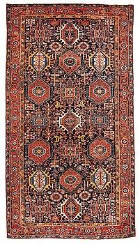16. A CARPET, a semi-antique Heriz/Gorovan/Karadja, ca 380,5 x 209 cm.