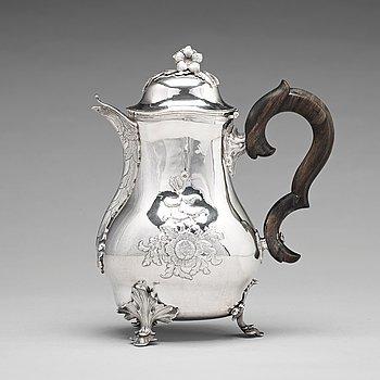 174. A Swedish 18th century silver rococo coffee-pot, mark of Peter Ohlijn, Karlskrona 1780.