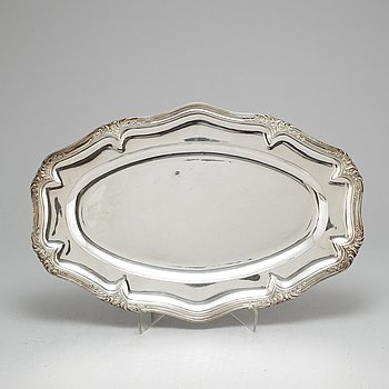 A French late 19th century silver dish. 950/1000. Louis XV-style.