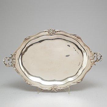 A German 18th century silver dish/tray, mark of Gottfried Bartermann, Augsburg 1759-1761.