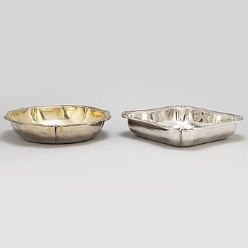 Two French 19th century silver 950/1000 dishes, after 1838.