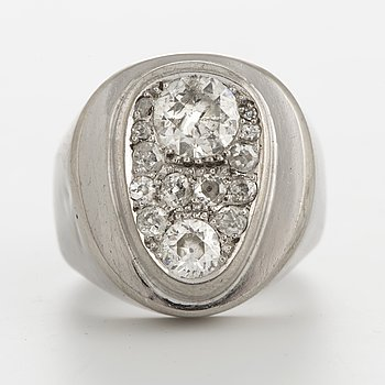 SIGURD PERSSON RING, 18K white gold with old cut diamonds.