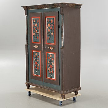 A cabinet, 19th century.