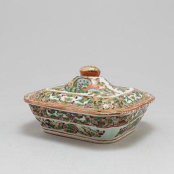 TERRIN, porslin, Kina, 1800-tal.
