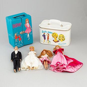 SAMLING BARBIEDOCKOR MED TILLBEHÖR, 4 st dockor, Mattel, 1960-tal.