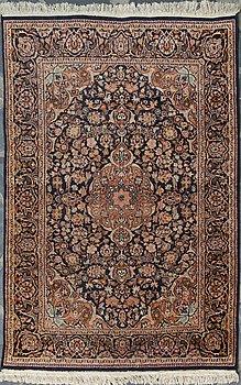 MATTA, orientalisk. Ca 183x122 cm.