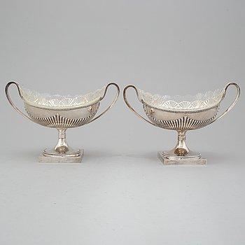 CG HALLBERG, jardinjärer, ett par, silver. Stockholm 1898.