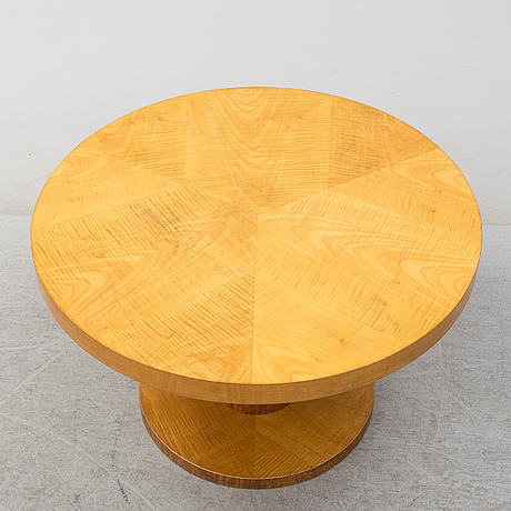 A 1930´s art déco table.