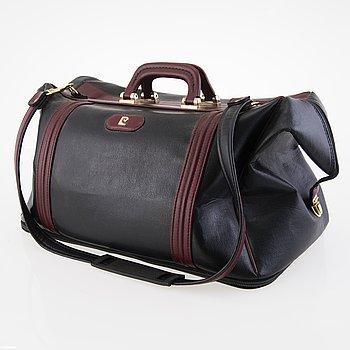 PIERRE CARDIN Vintage Black and burgundy Leather Travel Bag.