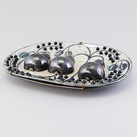 Birger kaipiainen, a decorative plate, signed kaipiainen, arabia.