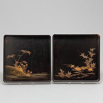 BRICKOR, lack, två stycken. Japan, Meiji (1868-1912).