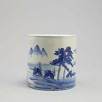 PENSELSTÄLL, porslin. Japan, tidigt 1900-tal.
