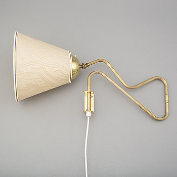 A brass wall light, 1940's.