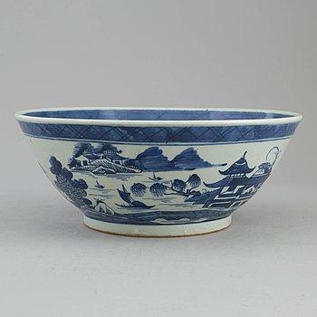 BÅLSKÅL, kompaniporslin. Qingdynastin, Jiaqing (1796-1820).