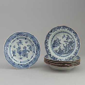 Seven (6+1) blue and white soup plates, Qing dynasty, Qianlong (1736-95).